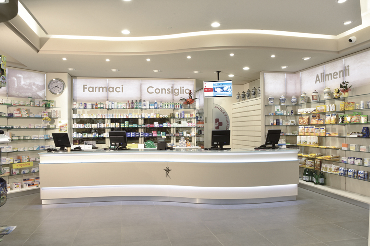 Arredamento Farmacia Rossi