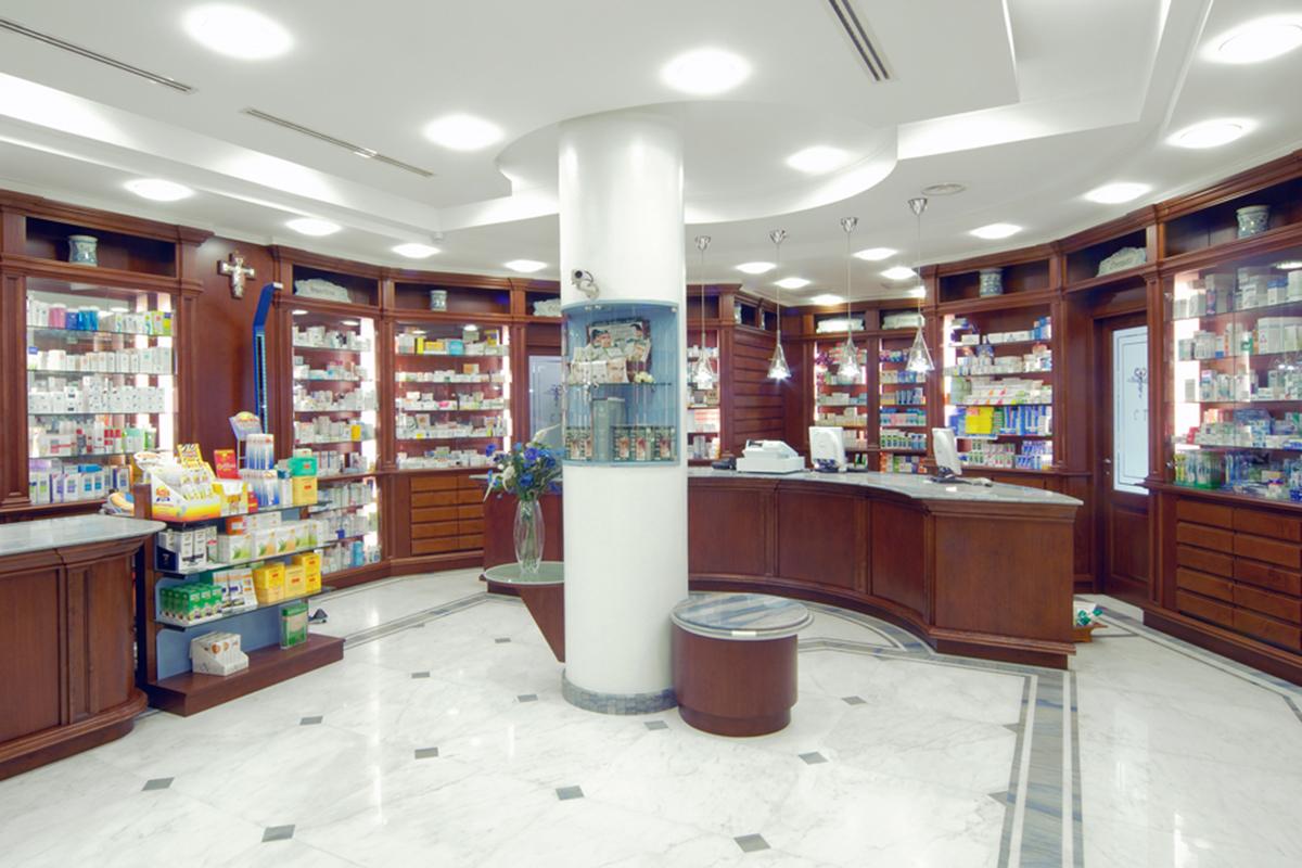 Arredamento Farmacia Classica Dott.ssa Tancredi
