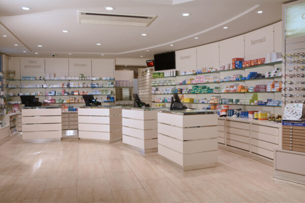 Arredo Farmacia Borgo San Rocco